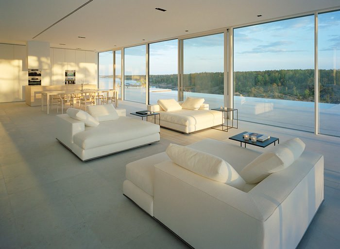 9Modern-Lake-House-Living-Room-1