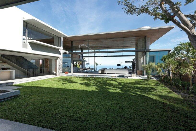 modern coastal house 1 Biệt thự biển nội thất đơn giản gần gũi với thiên nhiên qpdesign