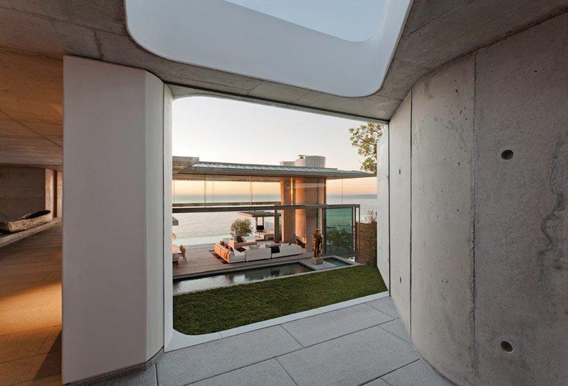 modern coastal house 3 Biệt thự biển nội thất đơn giản gần gũi với thiên nhiên qpdesign