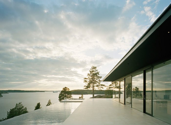 Modern-Lake-House-Exterior-4