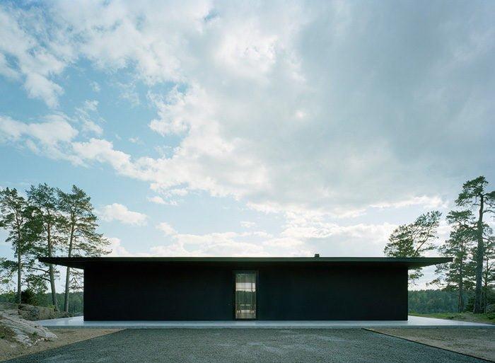 Modern-Lake-House-Exterior-6