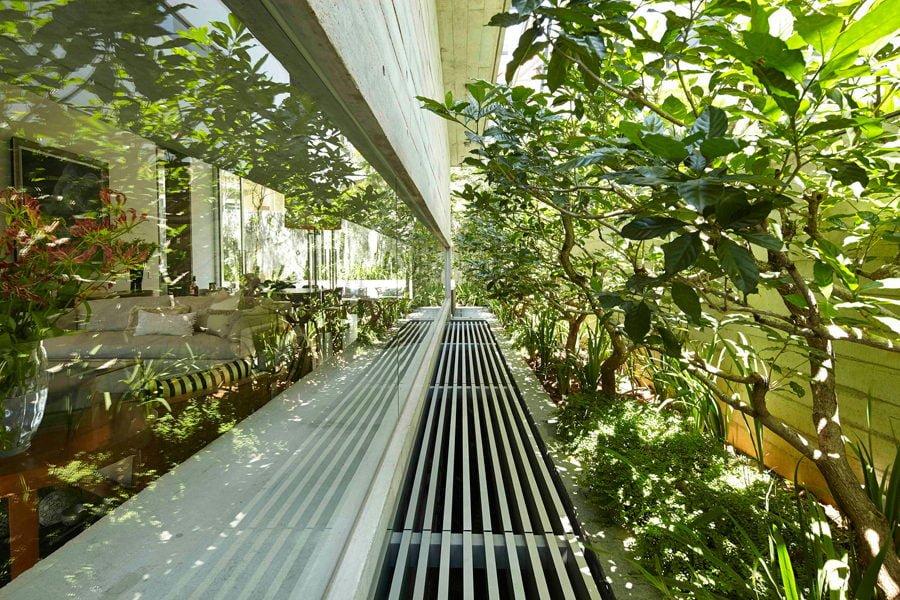 11 1449037562 1200x0 Ngôi nhà tại Singapore với không gian xanh dịu mát qpdesign