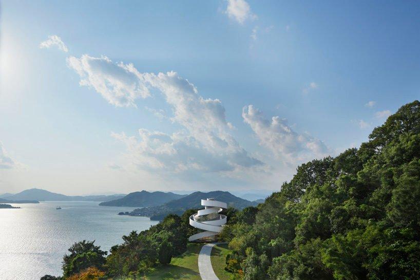 1hiroshi nakamura nap ribbon chapel spiral hiroshima japan designboom X1 Thánh đường cho ngày trọng đại của những đôi uyên ương qpdesign