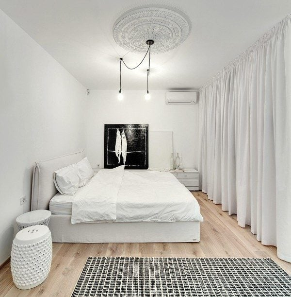 22modern-classic-white-bedroom-600x611