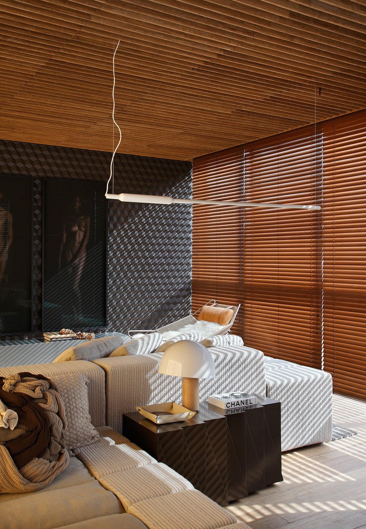 3Hotel-Black-by-Studio-Guilherme-Torres-at-MostraBlack-2013-Yellowtrace-04