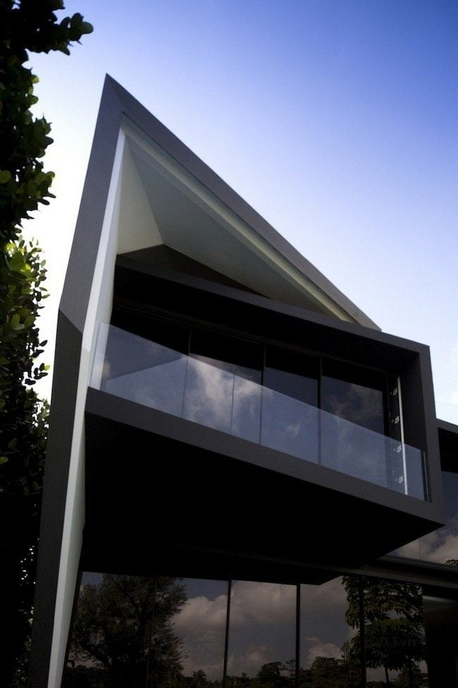 5Diamond-House-by-Formwerkz-Architects-00006