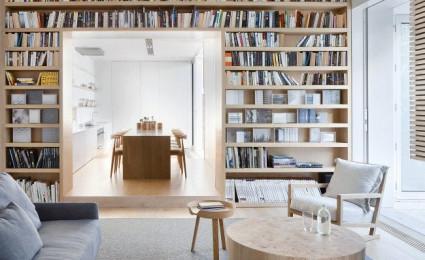 Ngôi nhà nhỏ giản dị và tươm tất với tông màu trắng và gỗ