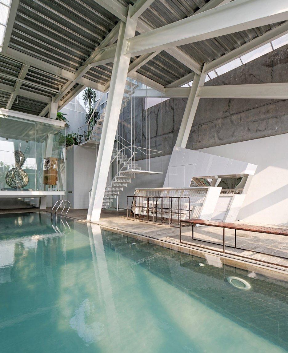 Rumah-Miring_Budi-Pradono-Architects_House_Jakarta_dezeen_936_6