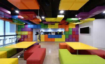 Văn phòng rực rỡ sắc màu sáng tạo của VIOLA COMMUNICATIONS