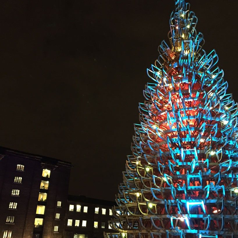 hello-wood-christmas-tree-london-budapest-manchester-designboom-02-818x818