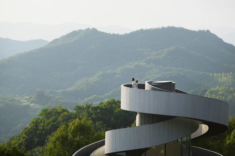 hiroshi-nakamura-nap-ribbon-chapel-spiral-hiroshima-japan-designboom-X8