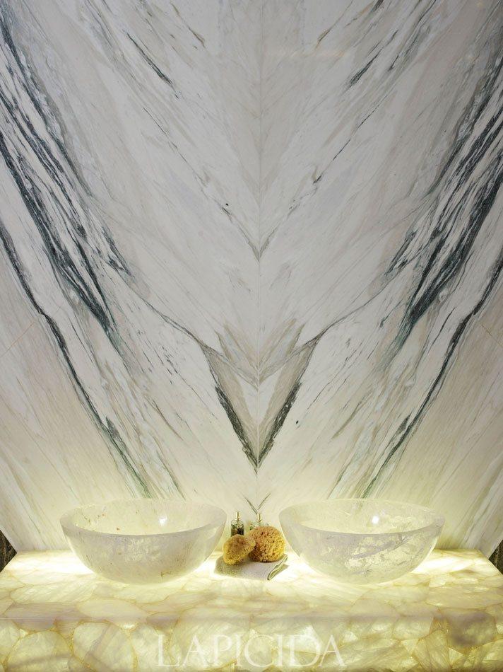 refined and eye catching onyx decor ideas for your interiors 13 Đá mã não: vật liệu trang trí nội thất sang trọng và đẳng cấp qpdesign
