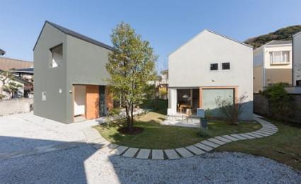 Ngôi nhà song sinh kiểu Nhật trên mảnh đất méo
