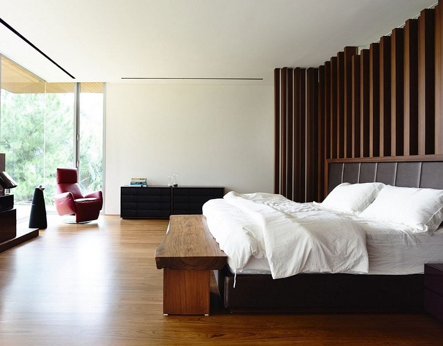 A-touch-of-natural-charm-in-the-contemporary-bedroom