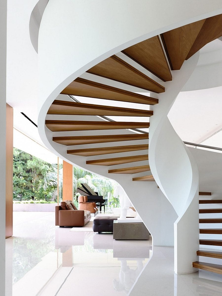 Sculptural-and-iconic-spiral-staircase-steals-the-show