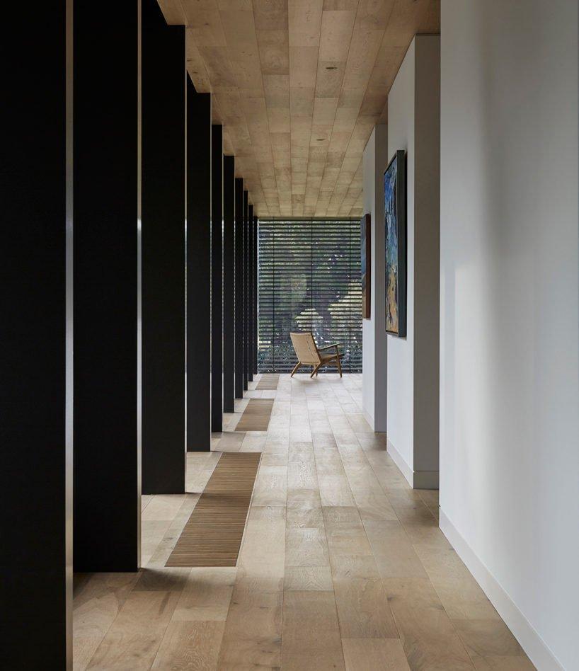 inarc-links-courtyard-house-designboom-08