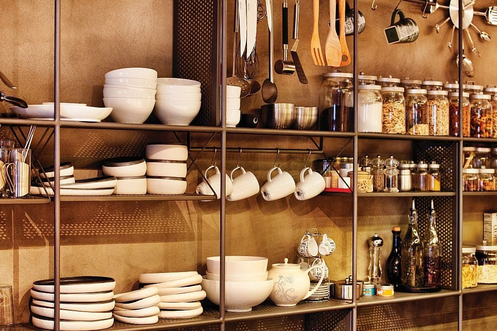 Simple-and-extensive-storage-system-with-iron-rods-and-shelves-in-the-kitchen