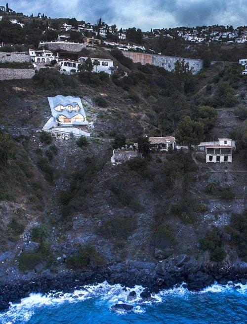 Biệt thự với thiết kế độc đáo trên vách núi tại Tây Ban Nha