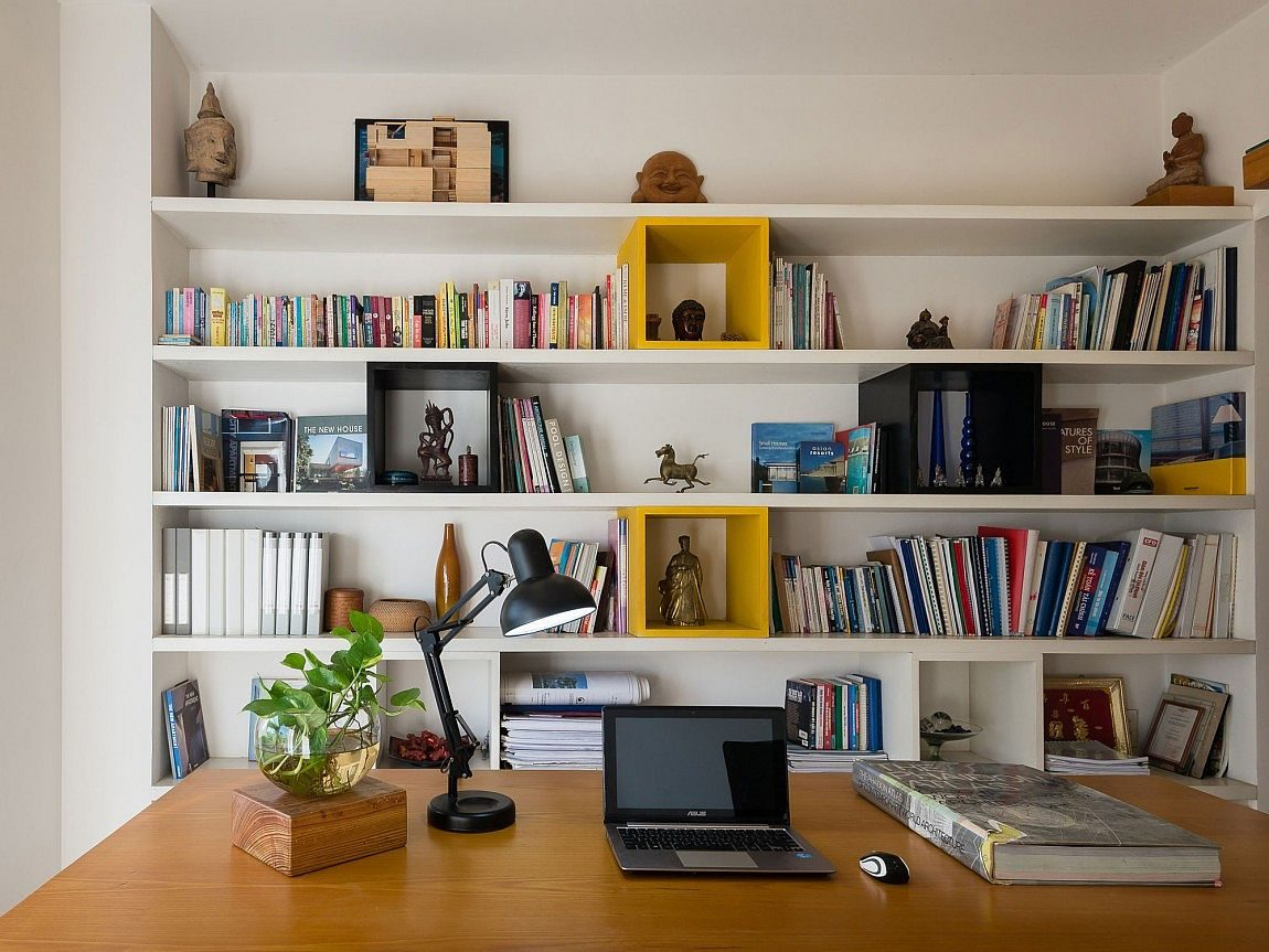 Organized-home-office-and-library-design