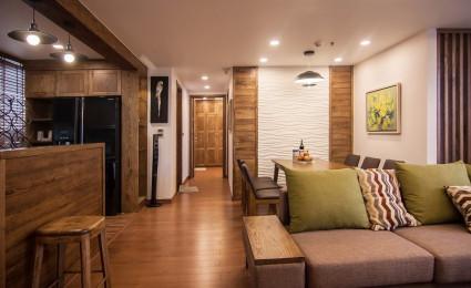 Ấm áp với nội thất gỗ tuyệt đẹp trong căn hộ ở thủ đô Hà Nội