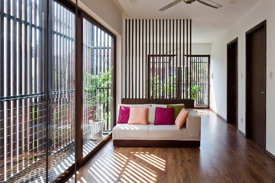 5 1 1470630271 1200x0 Ngôi nhà Sài Gòn có mặt tiền biến đổi theo ý muốn qpdesign