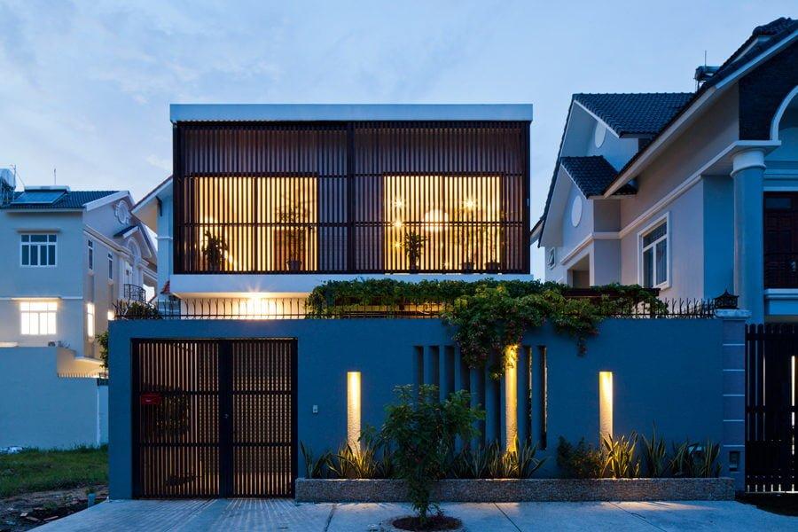 9737 1470630272 1200x0 Ngôi nhà Sài Gòn có mặt tiền biến đổi theo ý muốn qpdesign