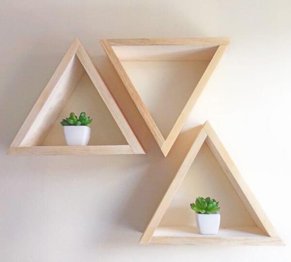simple geometric wall shelves for small spaces 600x539 Những mẫu kệ treo tường đẹp và độc đáo qpdesign