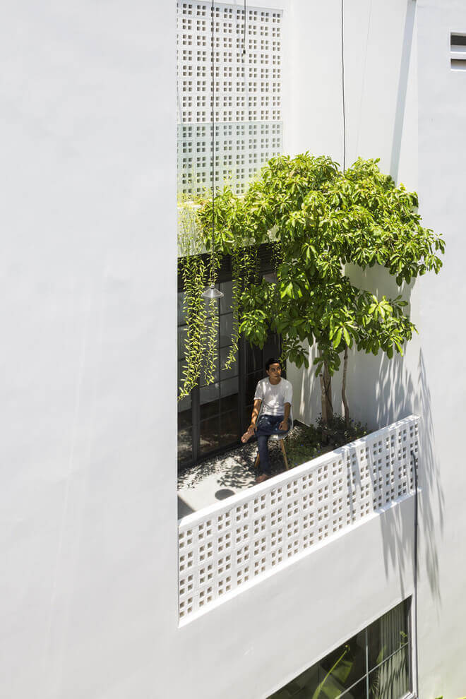 Nhà phố 2 tầng lầu đẹp từ ngoài vào trong tại thành phố biển Nha Trang